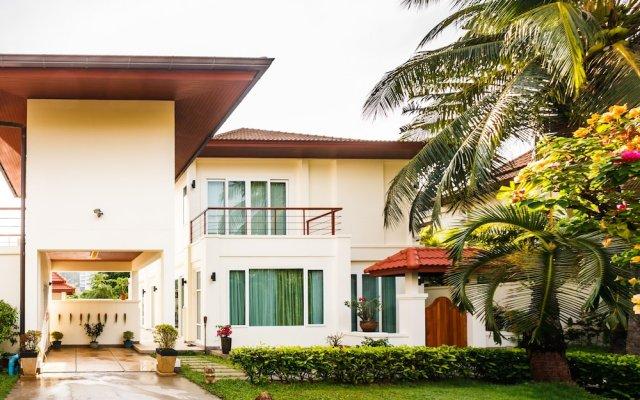 Отель Baan Kaja Villa by Lofty Таиланд, Камала Бич - отзывы, цены и фото номеров - забронировать отель Baan Kaja Villa by Lofty онлайн вид на фасад