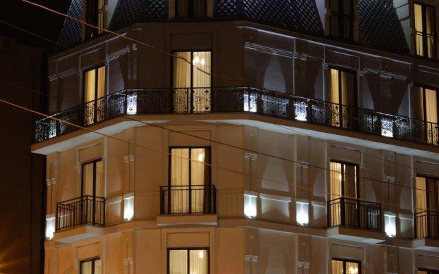 Отель Pushkin вид на фасад