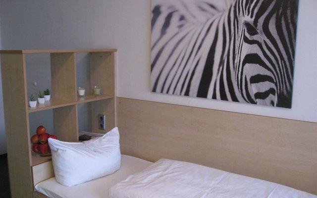 Отель Bold Munich Center Мюнхен комната для гостей