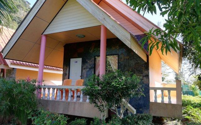 Отель Rim Khao Resort Ланта вид на фасад