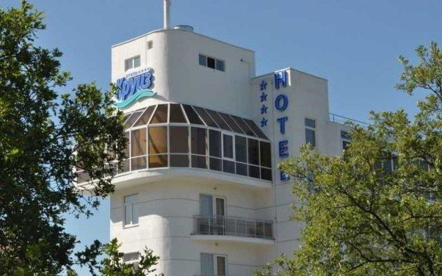 Гостиница Kompass Hotels Cruise Gelendzhik вид на фасад