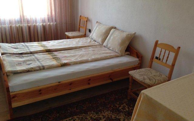 Отель Katya Guest House Смолян комната для гостей