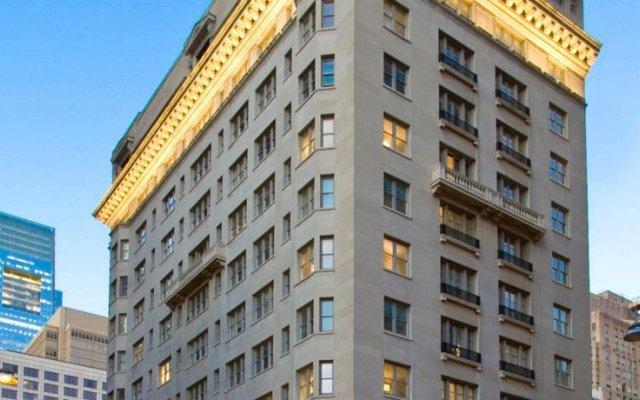 Отель AKA Rittenhouse Square вид на фасад