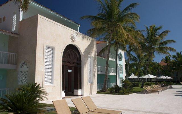 Отель VH Gran Ventana Beach Resort - All Inclusive вид на фасад