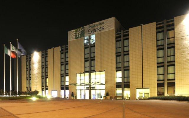 Отель Idea San Siro Милан вид на фасад