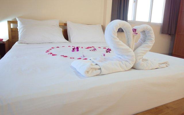Отель Patamnak Beach Guesthouse Таиланд, Паттайя - отзывы, цены и фото номеров - забронировать отель Patamnak Beach Guesthouse онлайн комната для гостей
