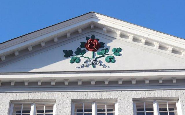 Отель Guesthouse Maison de la Rose вид на фасад