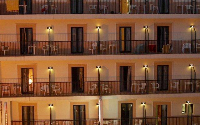 Отель Hostal Florencio вид на фасад