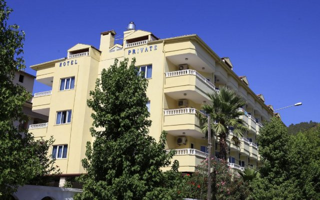 Private Hotel вид на фасад
