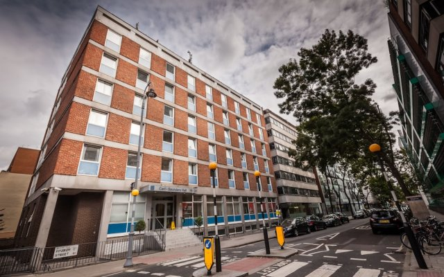 Отель LSE Carr-Saunders Hall вид на фасад