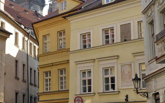 Отель Residence Týnská Чехия, Прага - 6 отзывов об отеле, цены и фото номеров - забронировать отель Residence Týnská онлайн вид на фасад