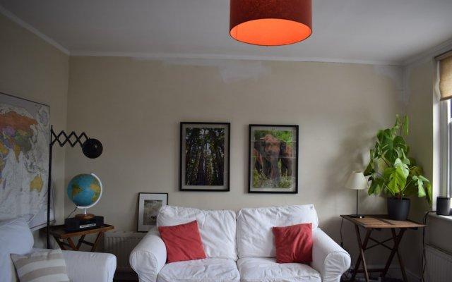 Апартаменты Charming 1 Bedroom Apartment in Angel Лондон комната для гостей