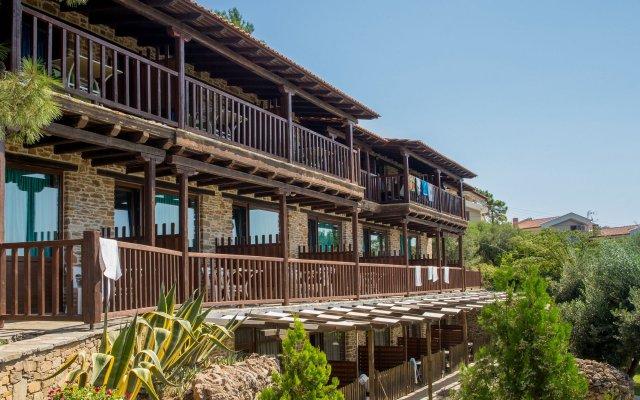 Отель Coral Blue Beach вид на фасад
