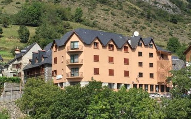 Отель Pension Malida Испания, Вьельа Э Михаран - отзывы, цены и фото номеров - забронировать отель Pension Malida онлайн вид на фасад