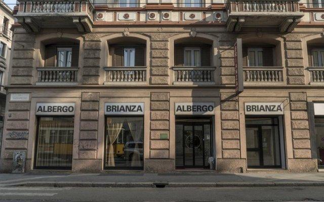 Hotel Brianza вид на фасад