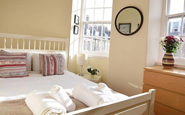 Отель Bright New Town 2 bed Apt - 5 Mins to Princes St Великобритания, Эдинбург - отзывы, цены и фото номеров - забронировать отель Bright New Town 2 bed Apt - 5 Mins to Princes St онлайн вид на фасад