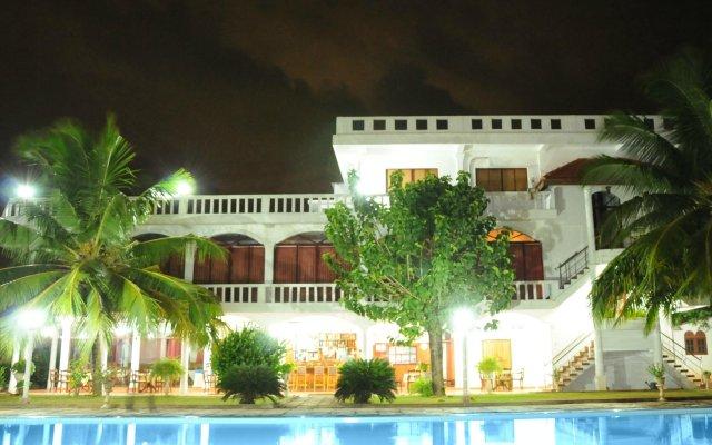 Hotel Lagoon Paradise вид на фасад