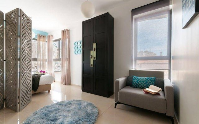 Sweet Inn Apartments - Nisim Bachar Street Израиль, Иерусалим - отзывы, цены и фото номеров - забронировать отель Sweet Inn Apartments - Nisim Bachar Street онлайн комната для гостей