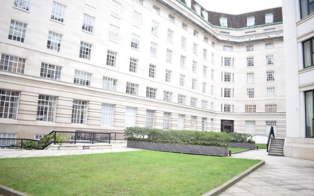 Отель Central London 1 Bedroom Flat With Spa Access Великобритания, Лондон - отзывы, цены и фото номеров - забронировать отель Central London 1 Bedroom Flat With Spa Access онлайн вид на фасад