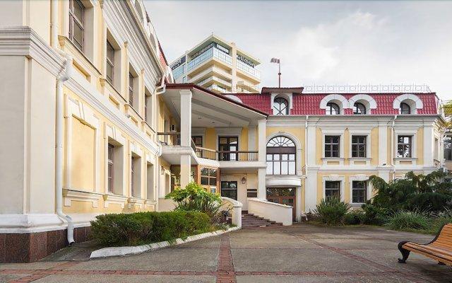 Отель им. Мориса Тореза Сочи вид на фасад