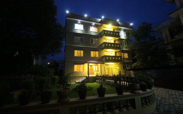 Отель Himalayan Sherpa INN Непал, Катманду - отзывы, цены и фото номеров - забронировать отель Himalayan Sherpa INN онлайн вид на фасад