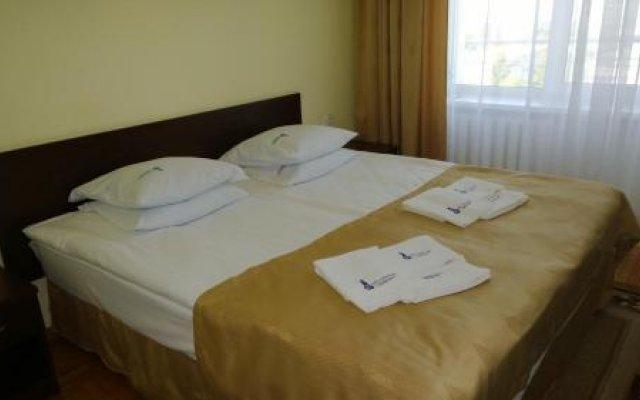 Гостиница Санаторий Дубрава в Железноводске отзывы, цены и фото номеров - забронировать гостиницу Санаторий Дубрава онлайн Железноводск комната для гостей