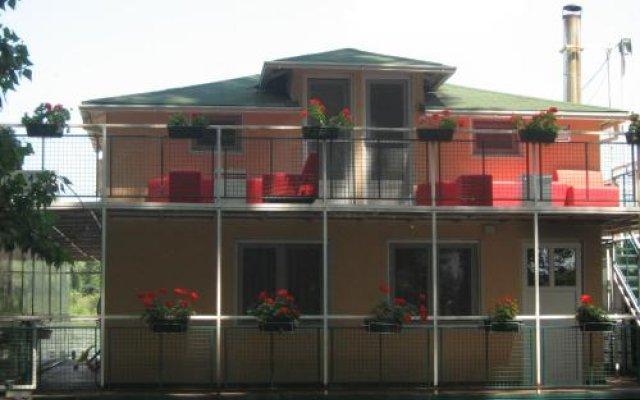 Отель Rooms Jahting Klub Kej вид на фасад