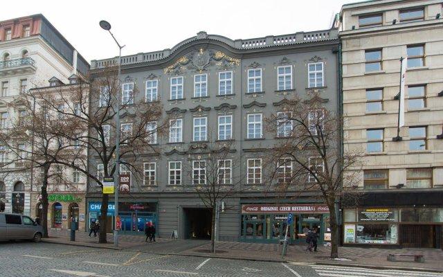 Апартаменты Picasso Apartments Prague вид на фасад