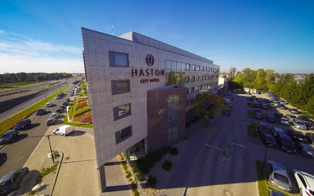 Haston City Hotel вид на фасад