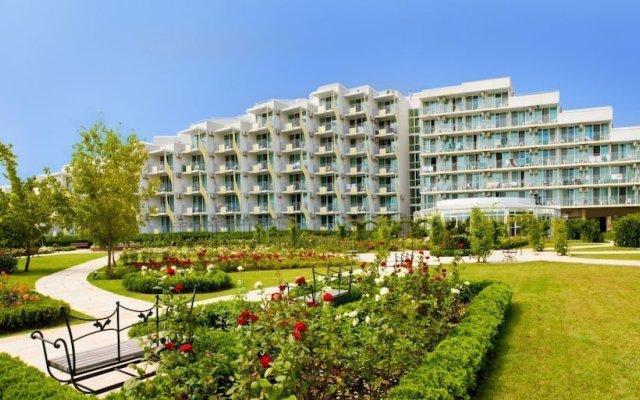 Отель Laguna Beach Болгария, Албена - отзывы, цены и фото номеров - забронировать отель Laguna Beach онлайн вид на фасад