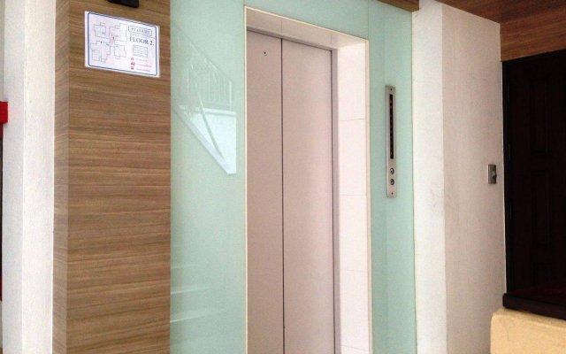 Отель Pt Court Бангкок комната для гостей