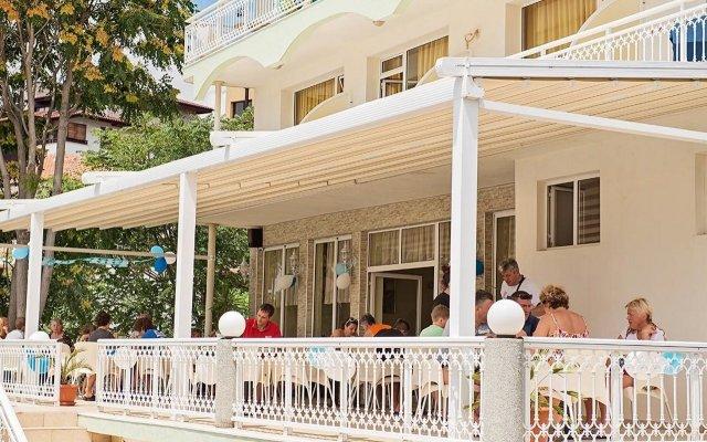 Отель Панорама Болгария, Свети Влас - отзывы, цены и фото номеров - забронировать отель Панорама онлайн вид на фасад