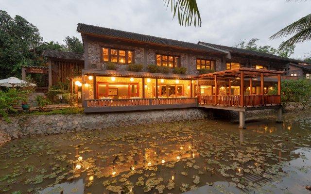 Отель Pilgrimage Village Hue Вьетнам, Хюэ - отзывы, цены и фото номеров - забронировать отель Pilgrimage Village Hue онлайн вид на фасад