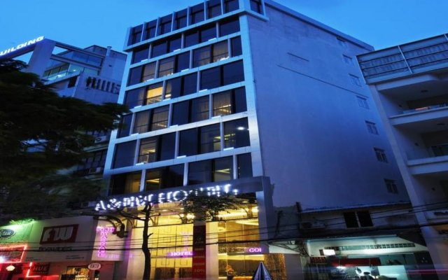 Отель A & EM - Hai Ba Trung вид на фасад