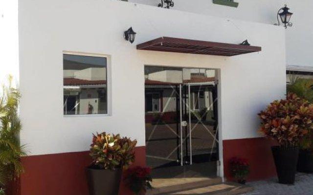 Hotel Aquiles вид на фасад