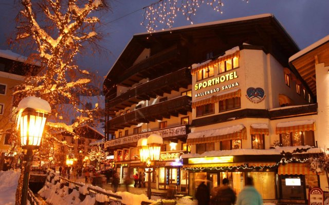 Отель Bergers Sporthotel вид на фасад