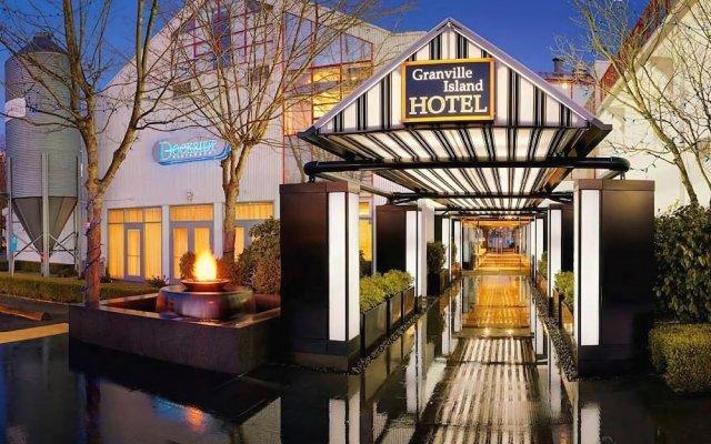 Отель Granville Island Hotel Канада, Ванкувер - отзывы, цены и фото номеров - забронировать отель Granville Island Hotel онлайн вид на фасад