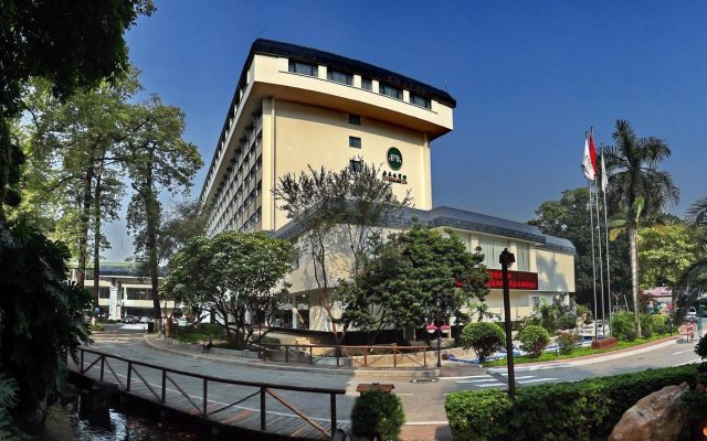 Guangdong Yingbin Hotel вид на фасад