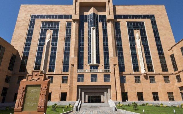 Ани Гранд Отель Ереван вид на фасад