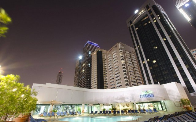 Отель Towers Rotana - Dubai вид на фасад