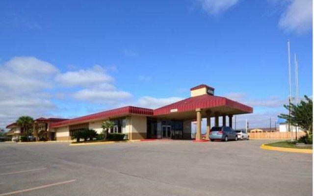 Отель Econo Lodge Kingsville США, Кингсвилль - отзывы, цены и фото номеров - забронировать отель Econo Lodge Kingsville онлайн парковка