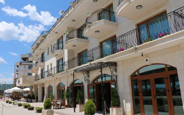 Отель Mistral Balchik Балчик вид на фасад
