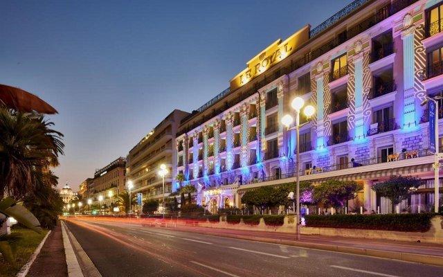 Отель Hôtel Vacances Bleues Le Royal Франция, Ницца - 4 отзыва об отеле, цены и фото номеров - забронировать отель Hôtel Vacances Bleues Le Royal онлайн вид на фасад