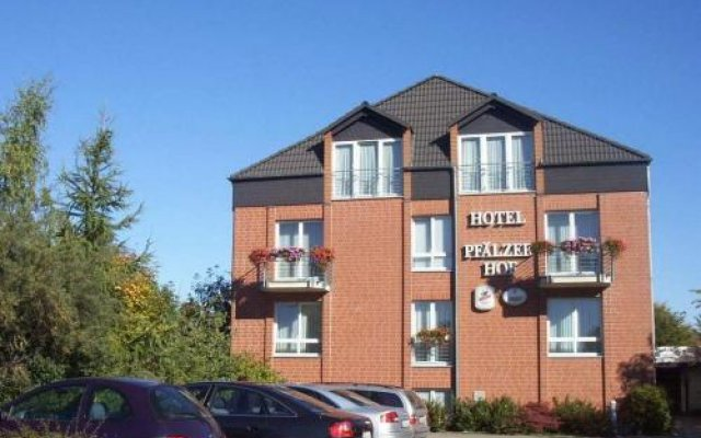 Отель Pfälzer Hof Германия, Брауншвейг - отзывы, цены и фото номеров - забронировать отель Pfälzer Hof онлайн парковка
