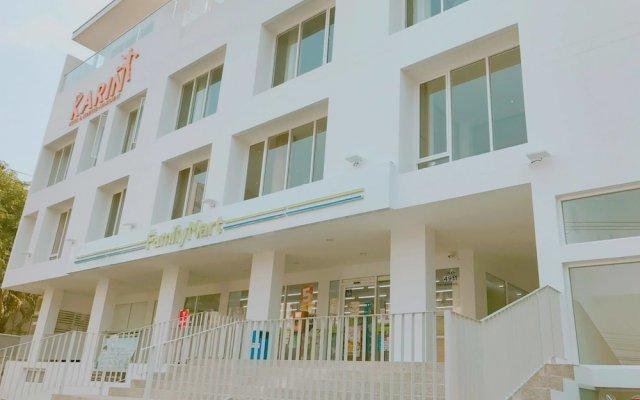 Karin Hotel & Serviced Apartment вид на фасад