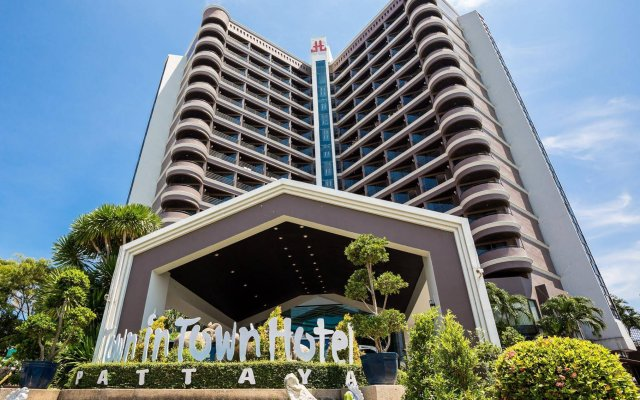 First Pacific Hotel And Convention Паттайя вид на фасад