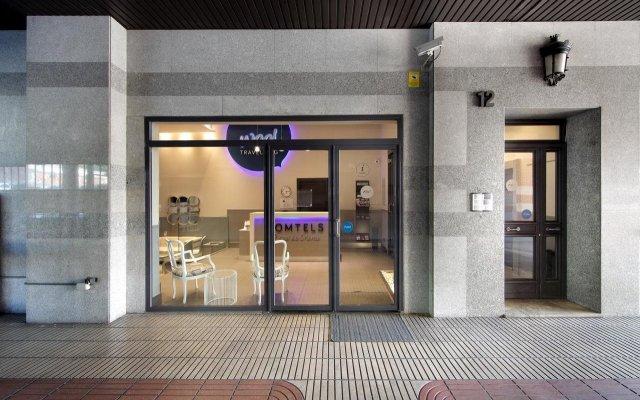 Отель Wootravelling Plaza De Oriente Homtels Мадрид вид на фасад
