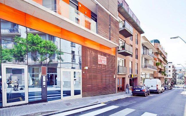 Отель MySpaceBarcelona Carrer de Prats de Mollo Испания, Барселона - отзывы, цены и фото номеров - забронировать отель MySpaceBarcelona Carrer de Prats de Mollo онлайн вид на фасад