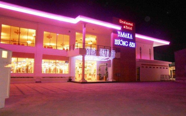 Yasaka Huong Sen Restaurant & Hotel