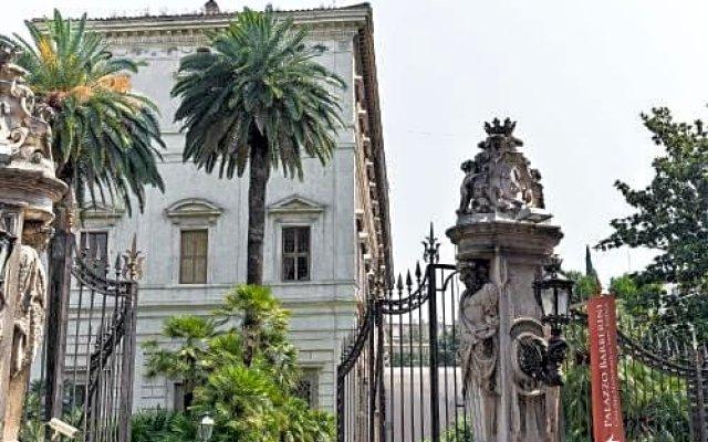 Отель Trevi Fountain Guesthouse Италия, Рим - отзывы, цены и фото номеров - забронировать отель Trevi Fountain Guesthouse онлайн вид на фасад